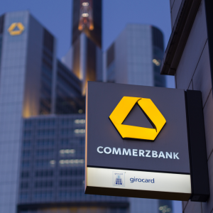 Commerzbank Sees Q1 Profit, Exceeding Analyst Forecasts